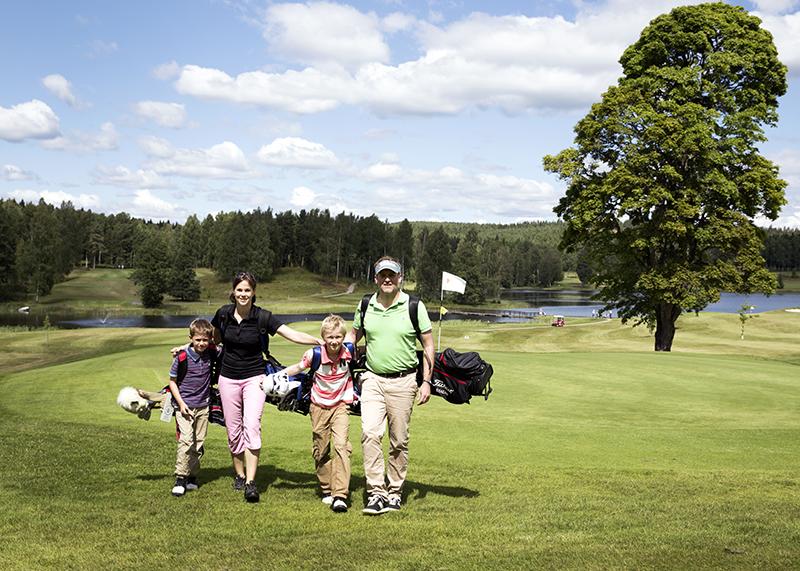 Golfen mit Kindern / Reisegeschichte Schweden / BRIGITTE